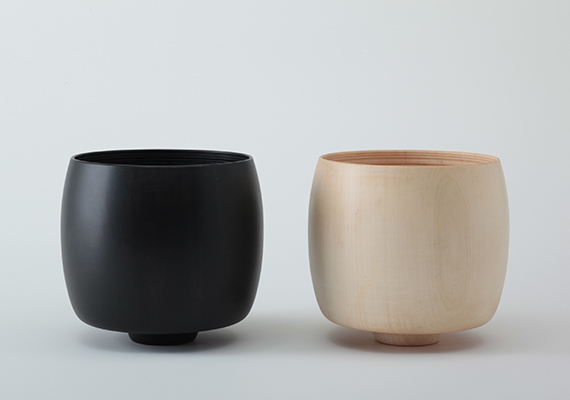 <br>[ size: 140*130 | material: Wood | color: natural, black  ]<br>Photographed by Tomoharu NISHIMURA